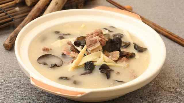 秋季喝汤有讲究!用它做汤一口良方