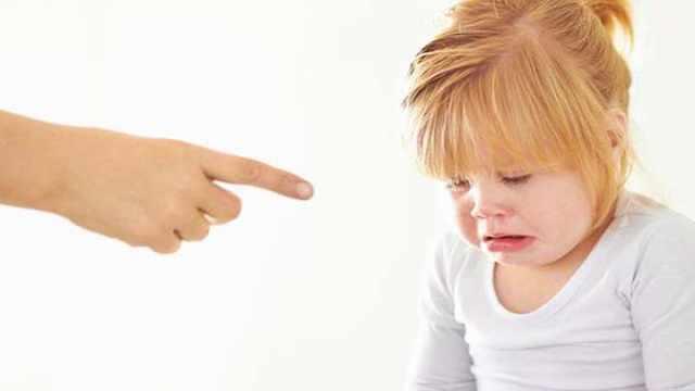 虐童事件频发,父母最好这样做