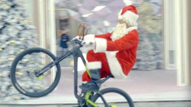 """走投无鹿的圣诞老人还能怎么""""装"""""""