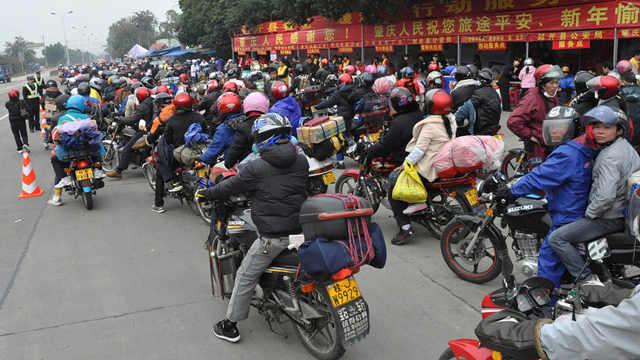 为什么很多农民工回家过年骑摩托车