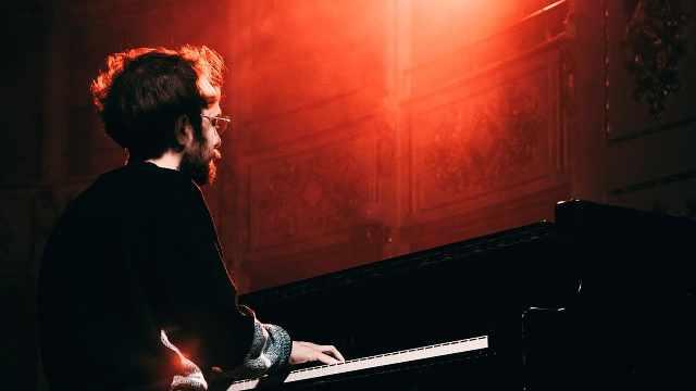 4分钟钢琴演奏18首2017年欧美热单
