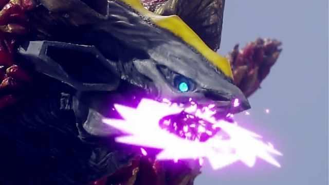 怪兽把奥特曼的光圈技能都给吃了?