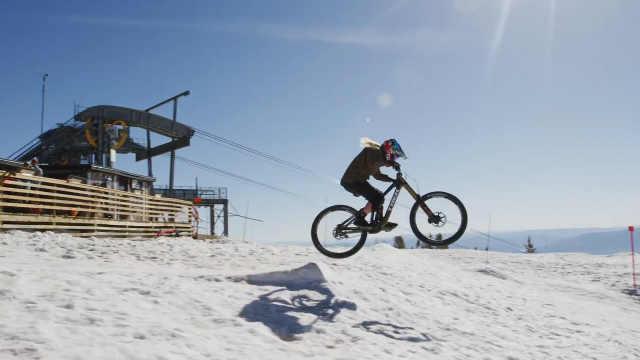 极限单车手挑战全美NO.1陡峭滑雪道
