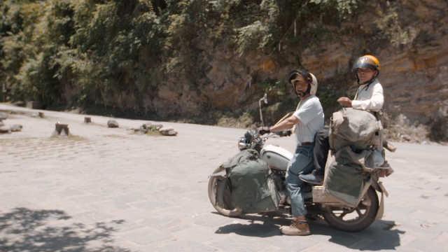 84岁不老骑士,摩托车骑行整个中国