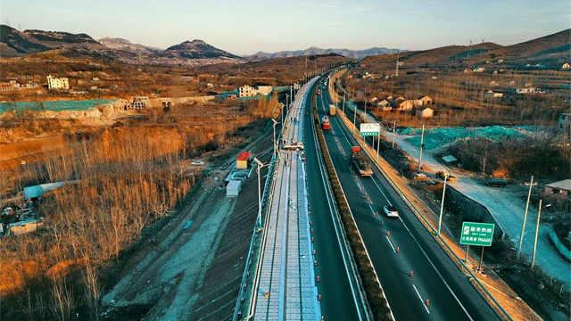 超级公路!世界第一条光伏高速通车