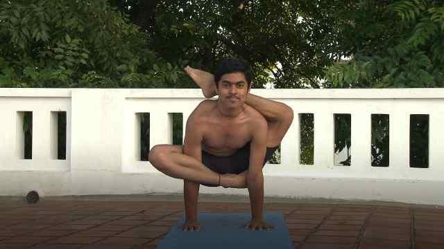 印度古式瑜伽教学:圣字式