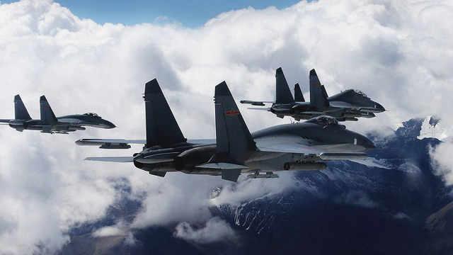 日本军机东海挑衅却被吓跑