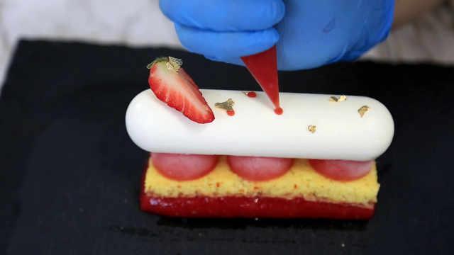 草莓番茄凝露慕斯下:积木式的组装