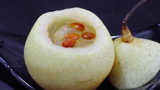 冰糖雪梨炖燕窝,滋补养颜必备佳品
