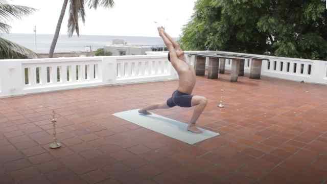 印度古式瑜伽教学:英雄式