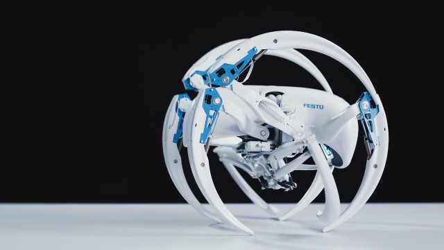仿生蜘蛛机器人能变成轮子滚着走