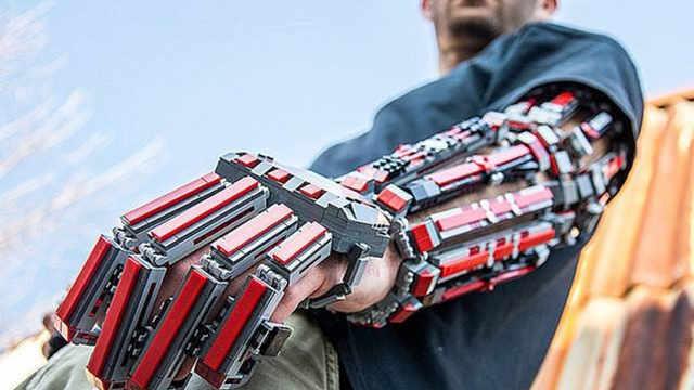 外骨骼能让人变成钢铁侠?