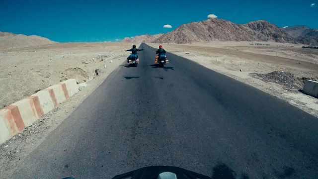 第一支骑行克什米尔的摩托车队