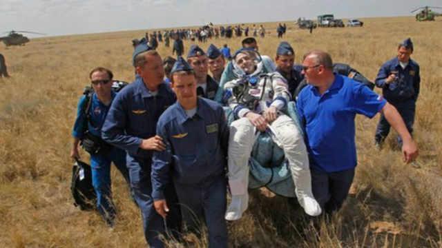 宇航员回到地球都需要坐轮椅?
