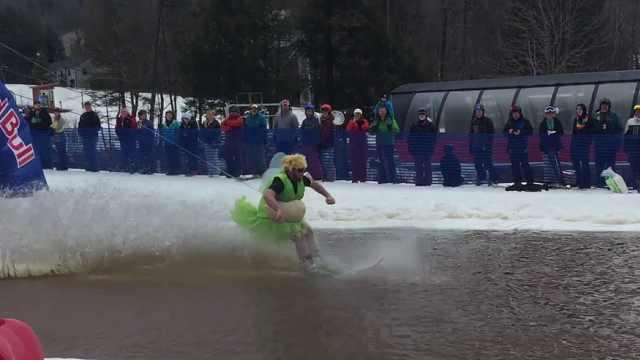 滑雪场雪化了怎么办?这样滑更刺激