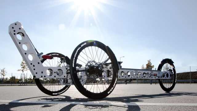 奇葩自行车,躺着才能骑