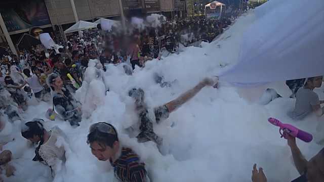 超嗨!曼谷泡泡节,全民都在玩泡泡