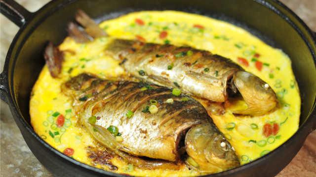 大厨亲传新菜,鲫鱼与鸡蛋这样做