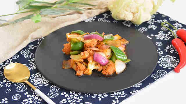 干锅菜花:麻辣辛香,没有肉也好吃