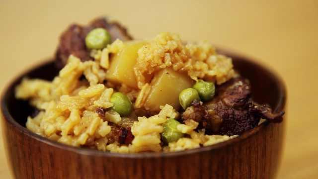 懒人版排骨土豆焖饭,超级简单