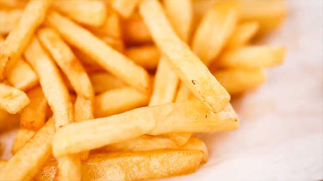 炸薯条这样做,金灿灿香喷喷,馋了