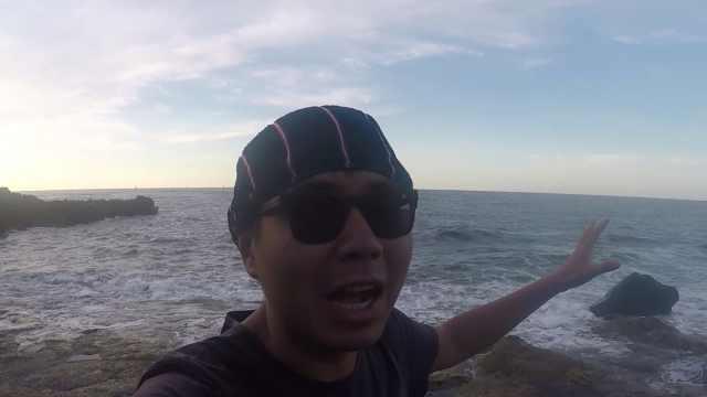 小伙跟随船长出海看原始捕鱼