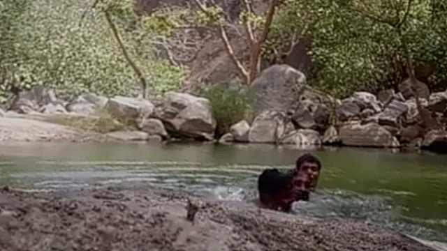 仨男子野外游泳丧命,手机录下全程