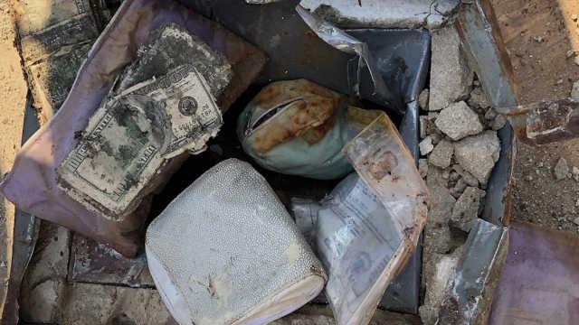 美国夫妇在后院发现数万美元宝藏