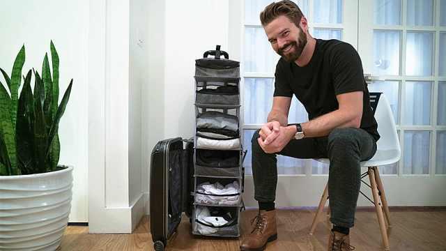 会变形的行李箱,轻轻一拉秒变衣柜