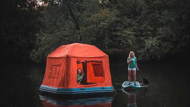 这款充气帐篷让你在水上安家