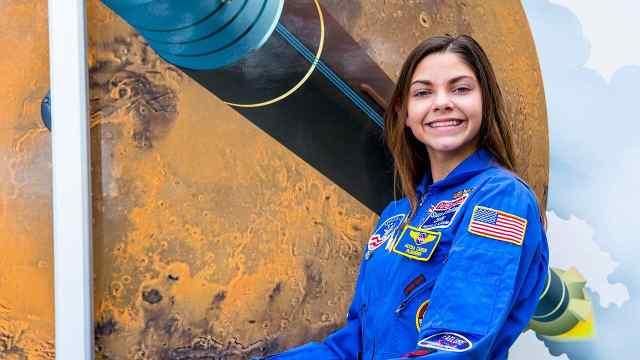 她只有17岁,却在准备登陆火星了!