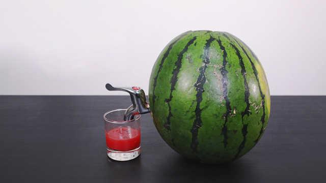 水龙头西瓜,这样吃瓜我是第一次见