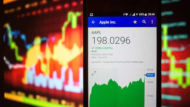 苹果公司市值超过一万亿美元