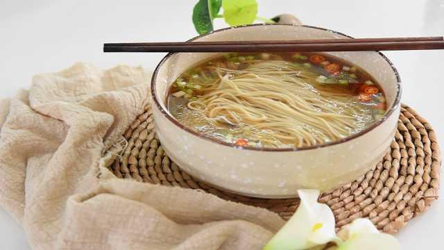 一碗热汤面:鲜香营养又开胃