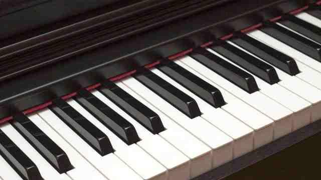 如何让钢琴左手伴奏更有层次感?