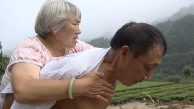 唐家坝村留守老人被洪水冲走后获救