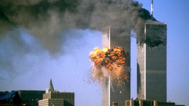 16年前,纽约世贸大楼被撞击画面