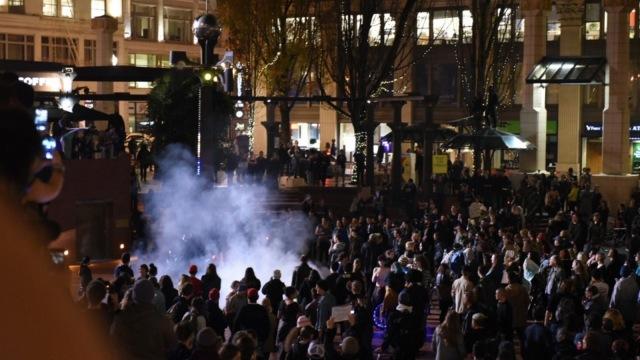美警方称反川普游行已演变为暴动