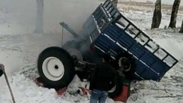 东北大雪频酿车祸,遗体埋在雪地里