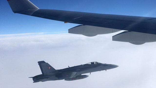 全景还原:瑞士战机包围普京专机?