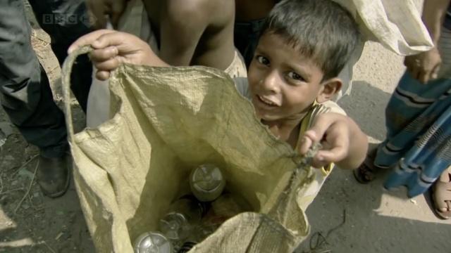 工作或饿死,这些童工该如何选择?
