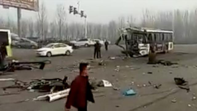 唐山公交车事故续:1人重伤3人轻伤