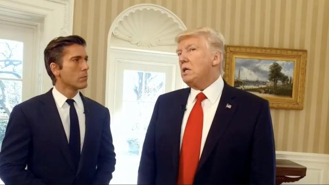 来!跟着川普参观白宫椭圆形办公室