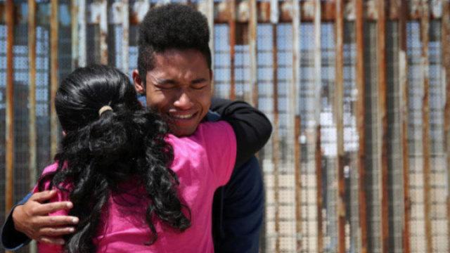 专访美墨边境摄影记者:人性化移民