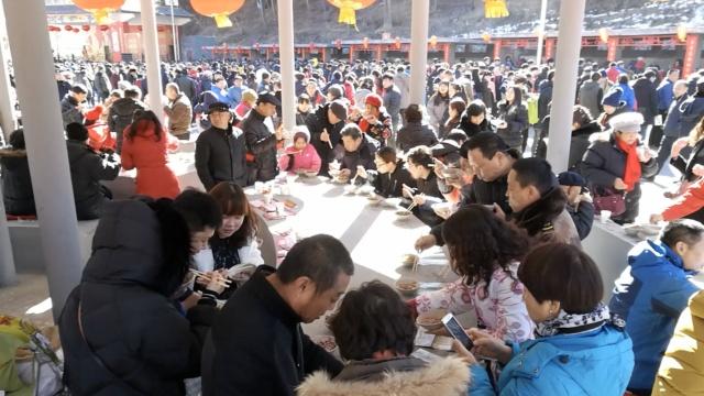 不吃汤圆吃大锅饭,北京敛巧过元宵