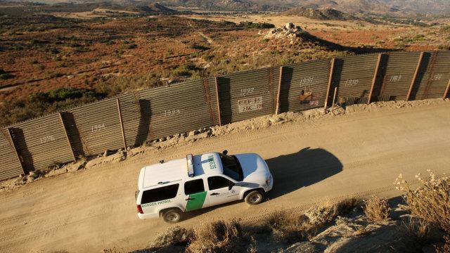 《时代》论建墙之弊:影响自然环境