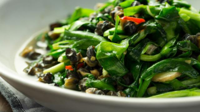两道时令菜,吃出韭菜的鲜与甜