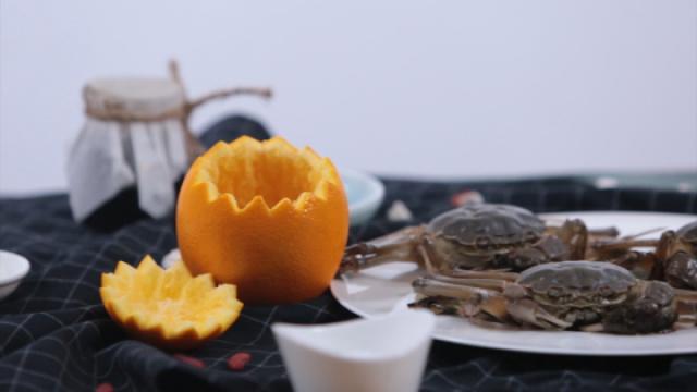 雅趣又别致的吃蟹方法——蟹酿橙
