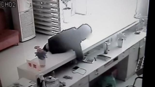 男子前脚盗手机,后脚落入警方天网