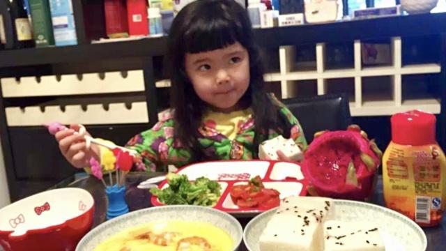 美妈给5岁女儿做早餐,每天不重样